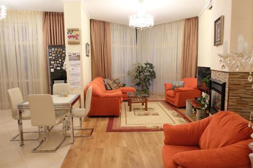 Гостиная зона в Apartments on Krasnogvardeyskaya