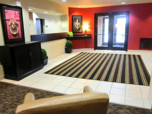 The lobby or reception area at Extended Stay America - Baton Rouge - Citiplace