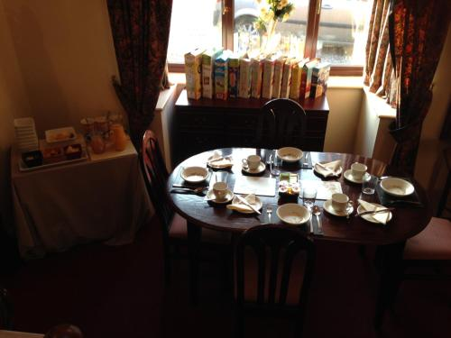A restaurant or other place to eat at Westgrange House Bed & Breakfast