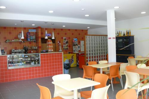 The lounge or bar area at Parque de Campismo Orbitur Viana do Castelo