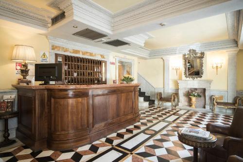 The lobby or reception area at Hotel Donatello