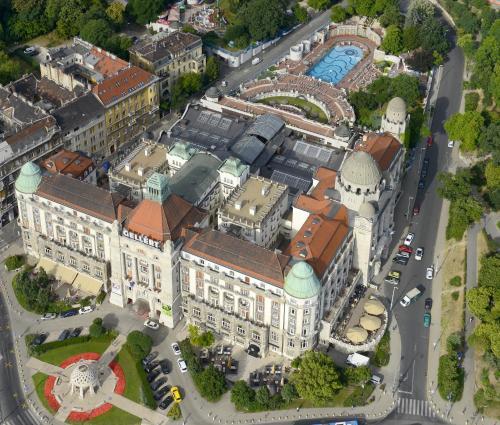 A bird's-eye view of Danubius Hotel Gellért