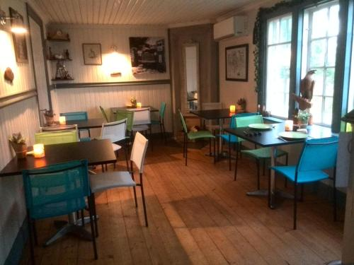 A restaurant or other place to eat at Falkudden Camping Cafe och Stugby