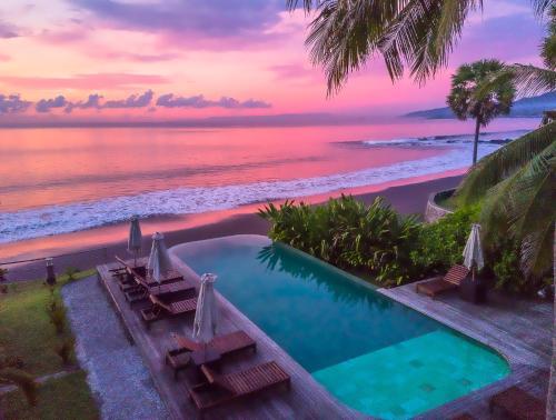 The swimming pool at or close to Seraya Shores
