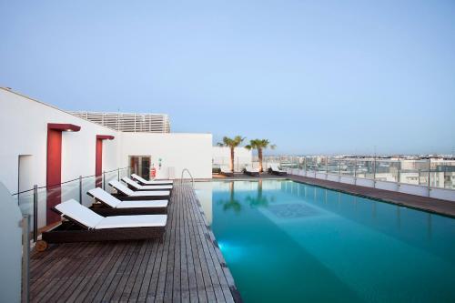 Piscina di Hilton Garden Inn Lecce o nelle vicinanze