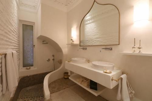 A bathroom at La Villa Nomade