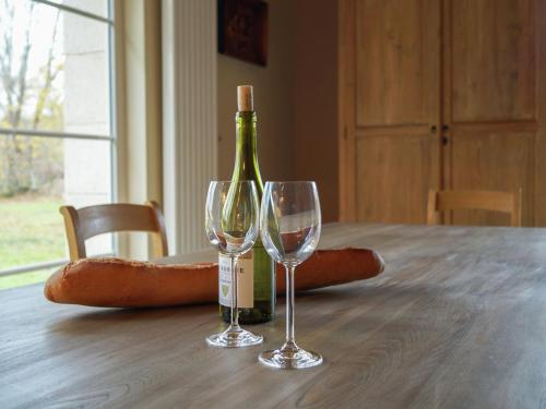 Drinks at Spacious Holiday Home with Private Pool in Auriac France