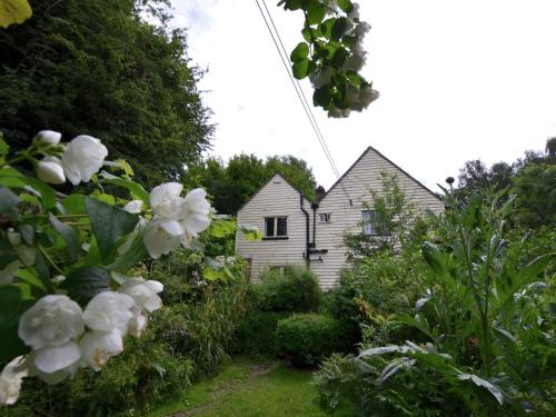 Charming Cottage in Mountfield Kent surrounded by Vineyards