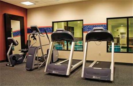 The fitness center and/or fitness facilities at Hampton Inn Augusta