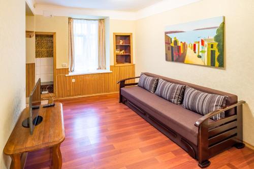 A seating area at Apartment on 11 Staroievreiska Street
