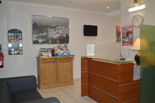 The lobby or reception area at Backpackers Chez Patrick