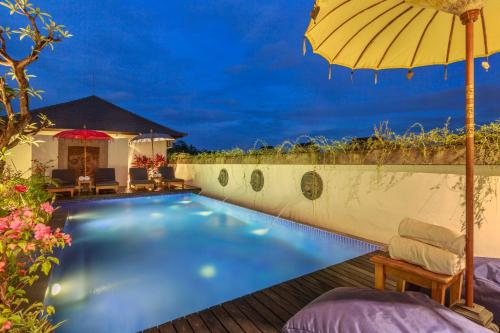 The swimming pool at or near Solo Villas & Retreat