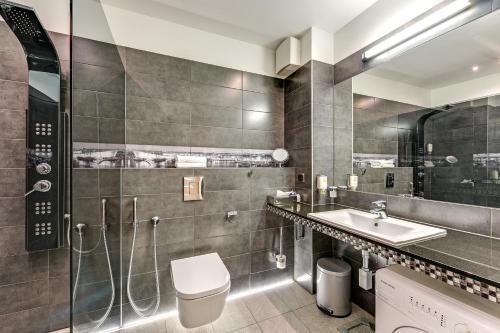 Łazienka w obiekcie UNO II Apartment