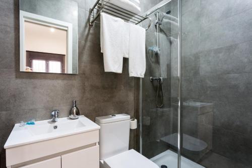 Uma casa de banho em Cool Sevilla Space