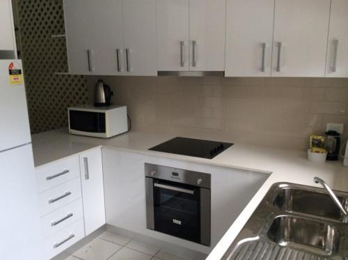 A kitchen or kitchenette at Kirrama 4