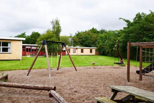 Ein Kinderspielbereich in der Unterkunft Danhostel Tønder