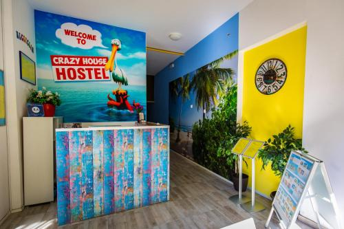 The lobby or reception area at Crazy House Hostel