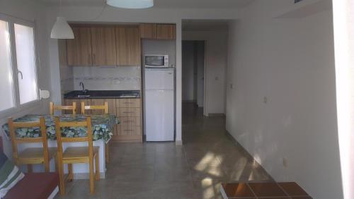 Una cocina o zona de cocina en Apartaments Josep Pla