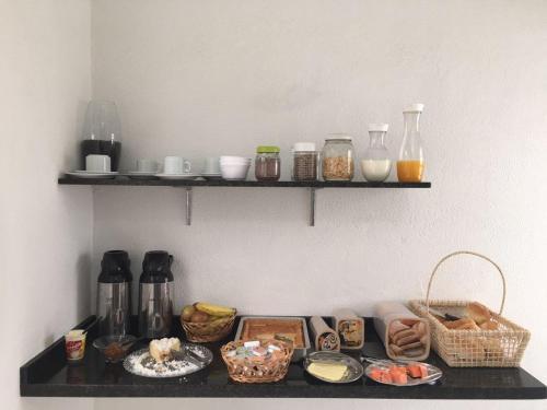 Opções de café da manhã disponíveis para hóspedes em Luman Hotel