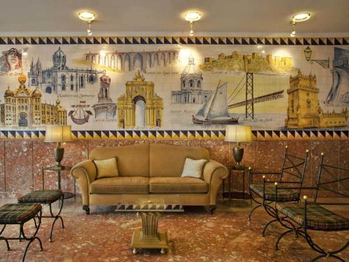 The lobby or reception area at TURIM Lisboa Hotel