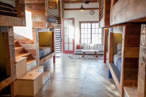 A bunk bed or bunk beds in a room at PodShare Los Feliz