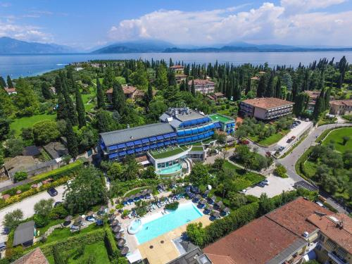 A bird's-eye view of Hotel Olivi Thermae & Natural Spa