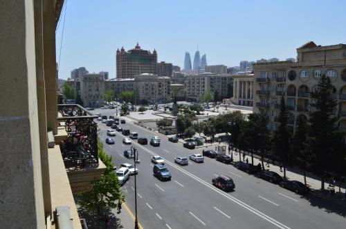 Uma visão geral de Baku ou uma vista da cidade tirada do apartamento