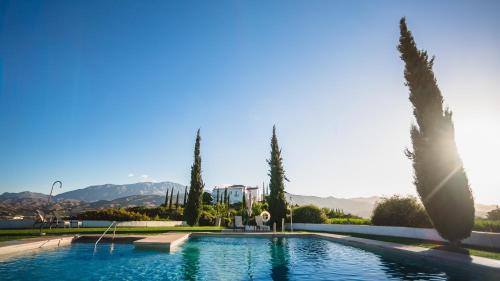 Het zwembad bij of vlak bij B Bou Hotel Cortijo Bravo