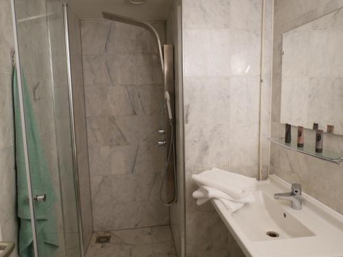 Een badkamer bij Huize de Duinen