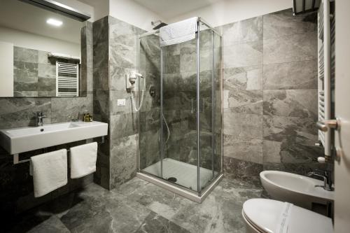 A bathroom at Vinci House
