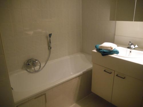 A bathroom at HOLLYWOOD12