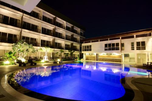 The swimming pool at or near BS Premier Airport Hotel