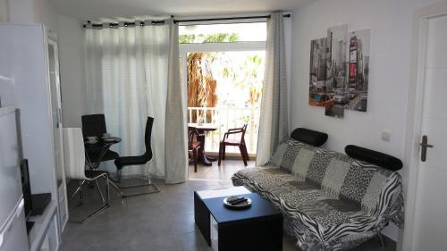 Zona de estar de New apartment near the beach