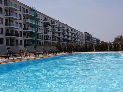 The swimming pool at or near Prora Solitaire Apartment mit Meerblick Block 2