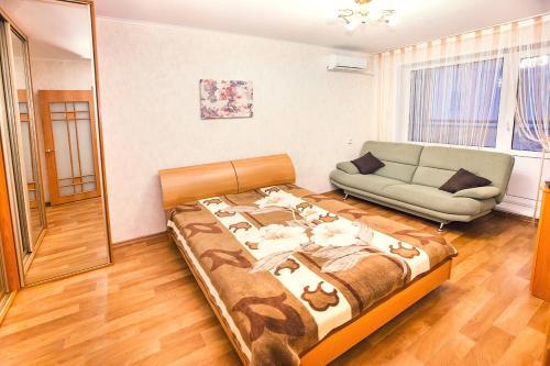 A seating area at Apartments at Lva Yashina 10