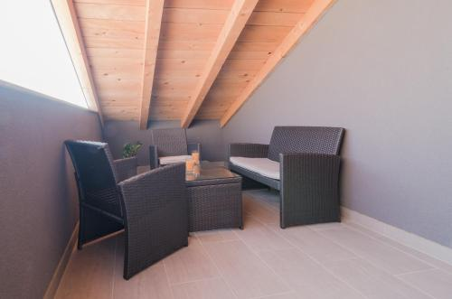 A seating area at Apartments F&M