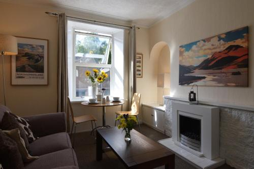 A seating area at Mansfield Apartment
