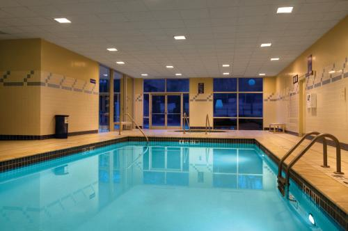 The swimming pool at or near Hilton Atlanta Airport