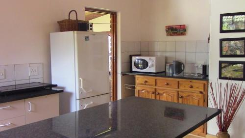 A kitchen or kitchenette at Forest Nest