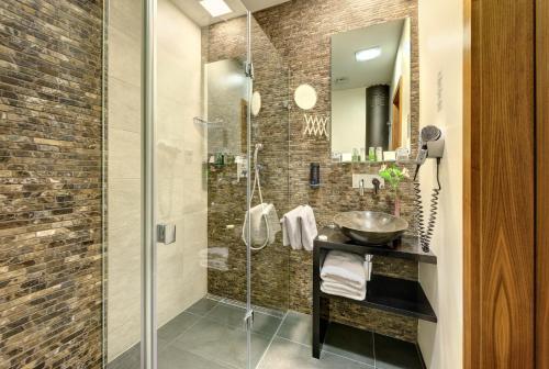 Un baño de Ametyst Hotel Praha