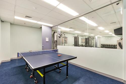 Ping-pong facilities at Sydney CBD Self Contained Modern Studio Apartments (PITT) or nearby