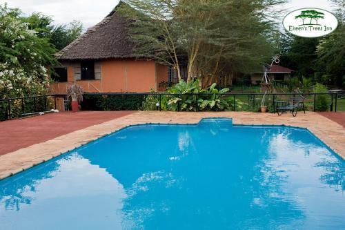Bazén v ubytovaní Eileen's Trees Inn alebo v jeho blízkosti
