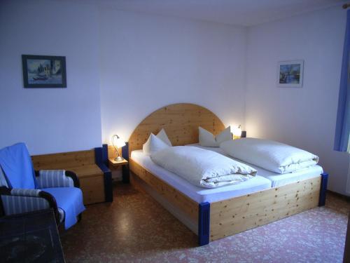 Ein Bett oder Betten in einem Zimmer der Unterkunft Landhaus Klostermühle