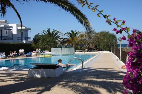 Πισίνα στο ή κοντά στο Miros Hotel Apartments