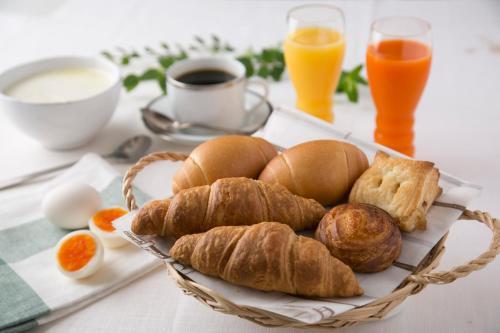 Breakfast options available to guests at R&B Hotel Sendai Hirosedori Ekimae