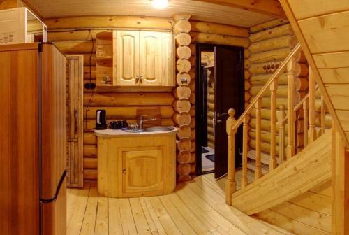 A kitchen or kitchenette at House Rucheek with sauna