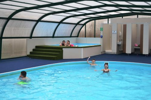 The swimming pool at or close to Campsie Glen Holiday Park