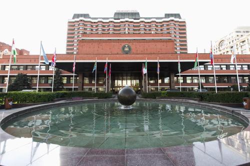 Бассейн в Президент-Отель или поблизости