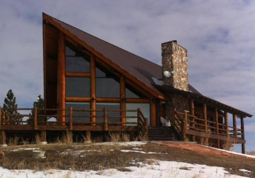 Rustic Cabin Rental during the winter