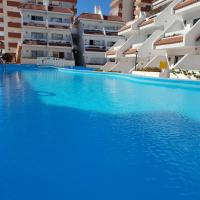 Casa Las Flores with heated pool, only 490 meters to the beach, balcony, wifi